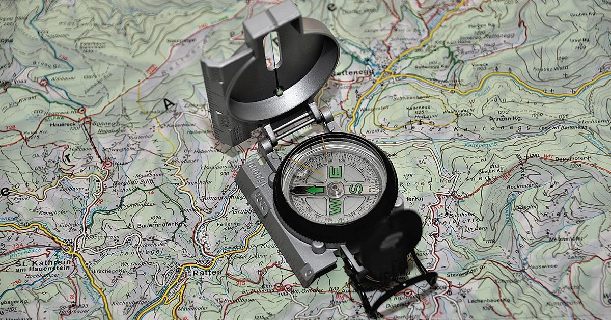 https://opticalacreublanca.com/wp-content/uploads/2018/02/cursa-orientacio-mapa-bruixola.jpg